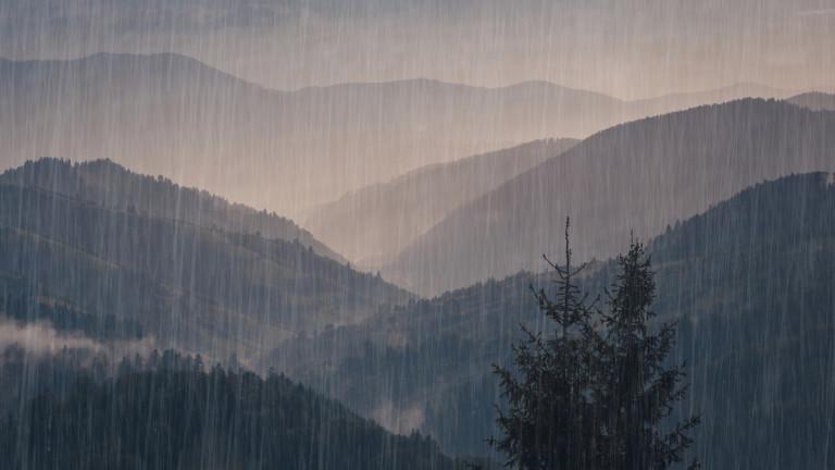 Дъжд в гора