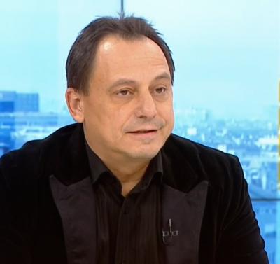 Емил Коларов