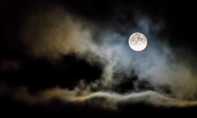 Вълча луна