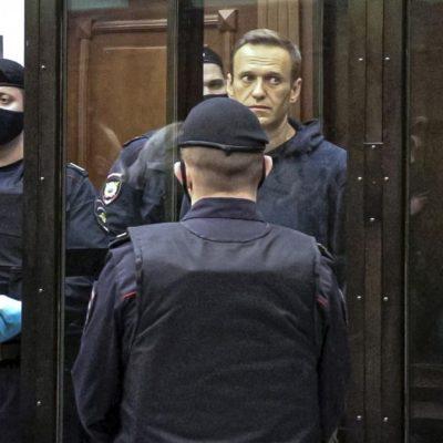 Навални задържан