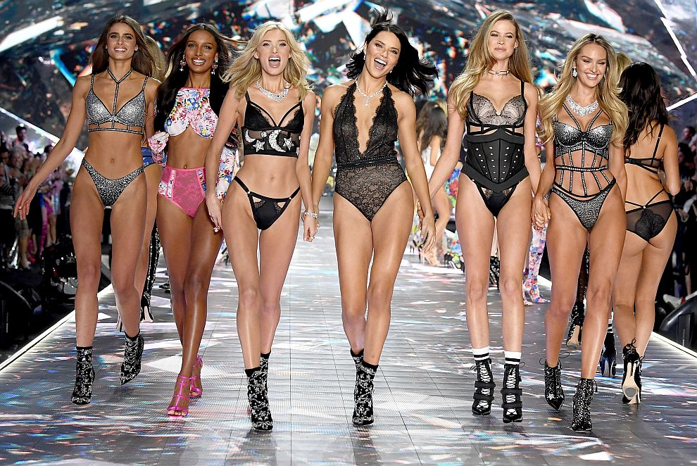 NEW YORK, NY - NOVEMBER 08:  Taylor Hill, Jasmine Tookes, Elsa Hosk, Adriana Lima, Behati Prinsloo, and Candice Swanepoel walk the runway during the 2018 Victoria's Secret Fashion Show at Pier 94 on November 8, 2018 in New York City.  (Photo by Dimitrios Kambouris/Getty Images for Victoria's Secret)